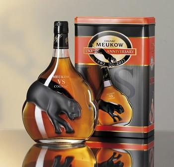 Meukow V.S. Cognac Black - dárkový plech 0,7l 40%